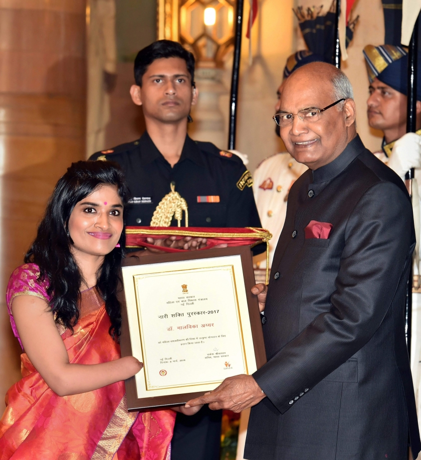 Dr. Malvika Iyer receiving the 'Nari Shakti Puraskar' from the President of India.